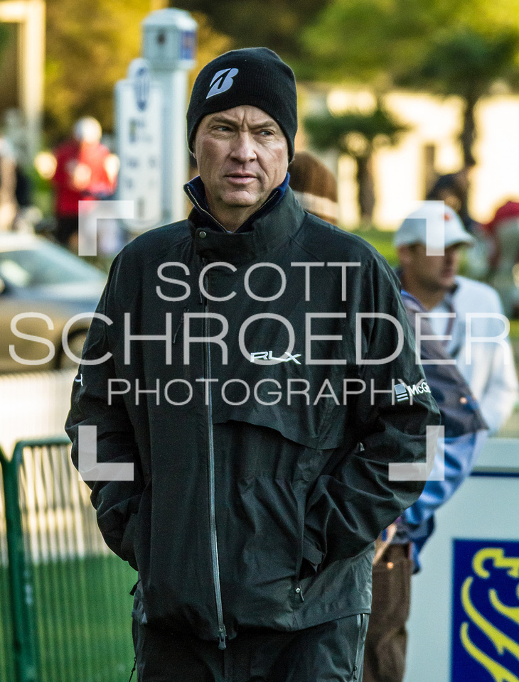5-time Heritage champion, Davis Love III, shows the unusually cold Heritage weather at the start of Wednesday's Pro-Am